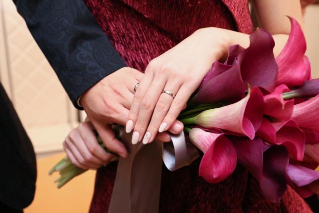 香取慎吾の彼女の指に指輪